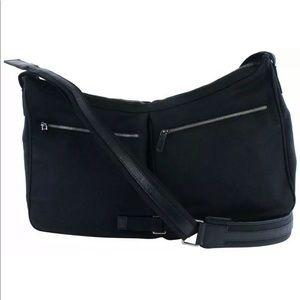Gucci double pocket messenger crossbody bag